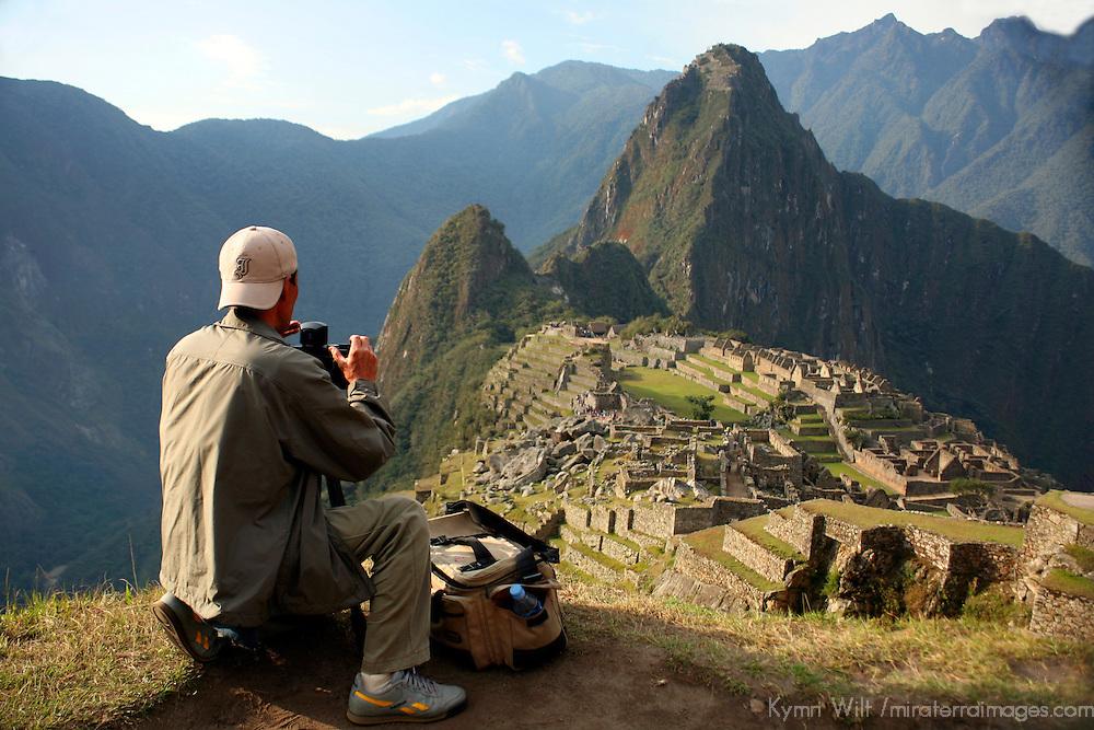 Fotograag maakt dankzij een micro SD kaart een foto van Machu Picchu